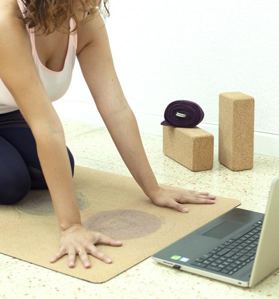 Claves para practicar yoga en casa