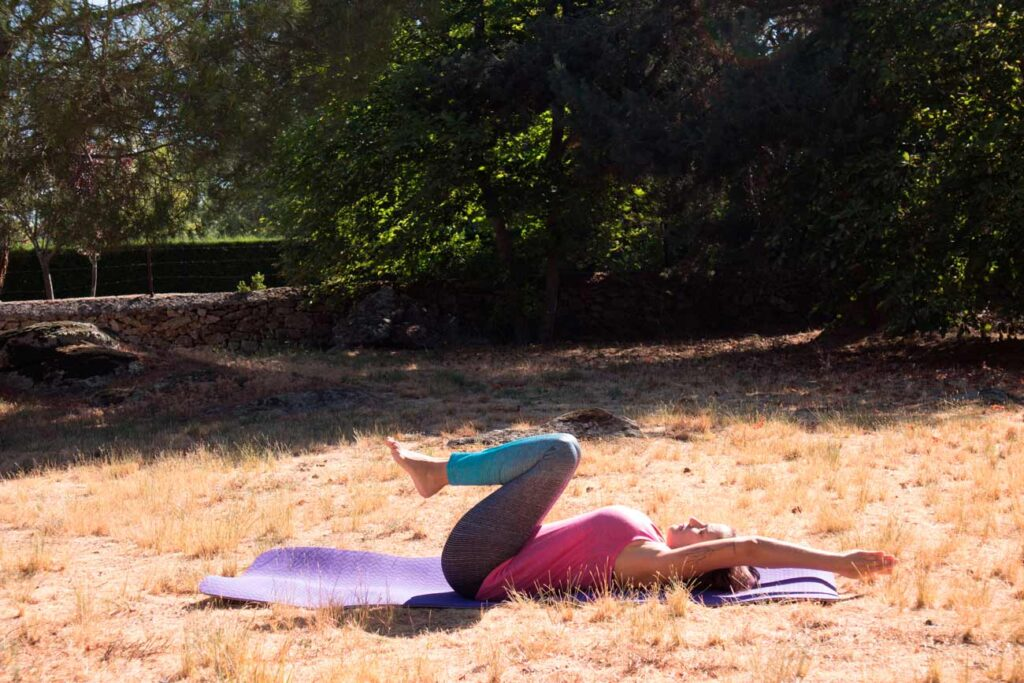Postura para relajar espalda