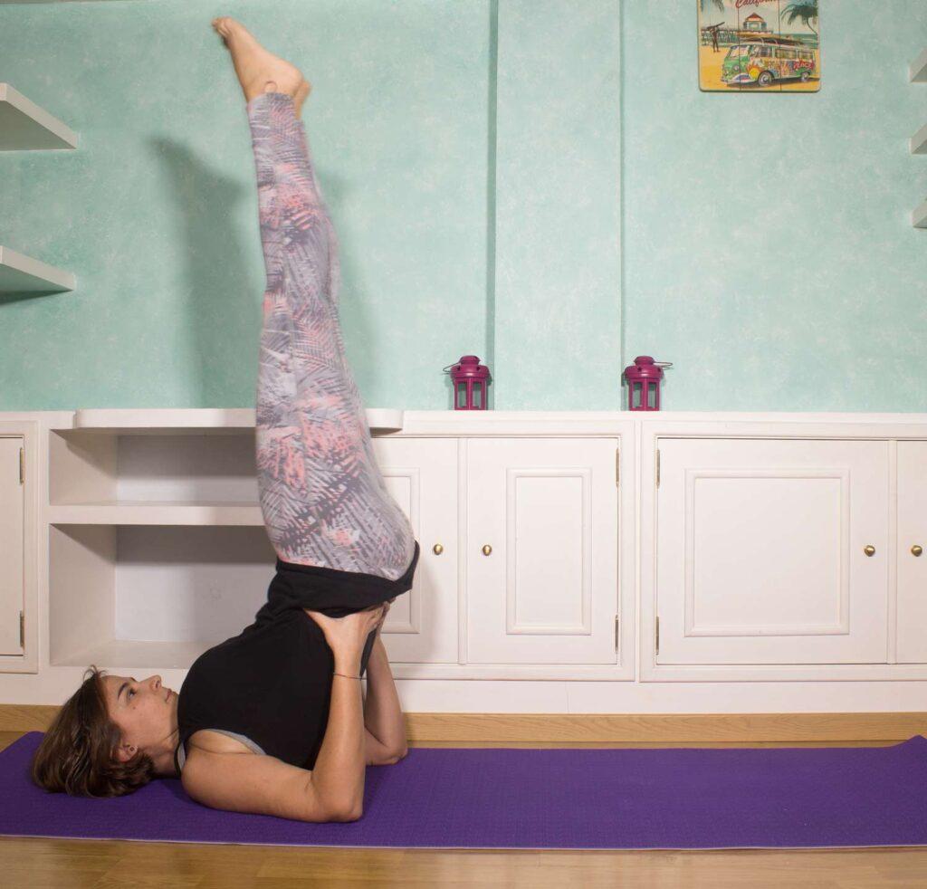 postura yoga Viparita karani