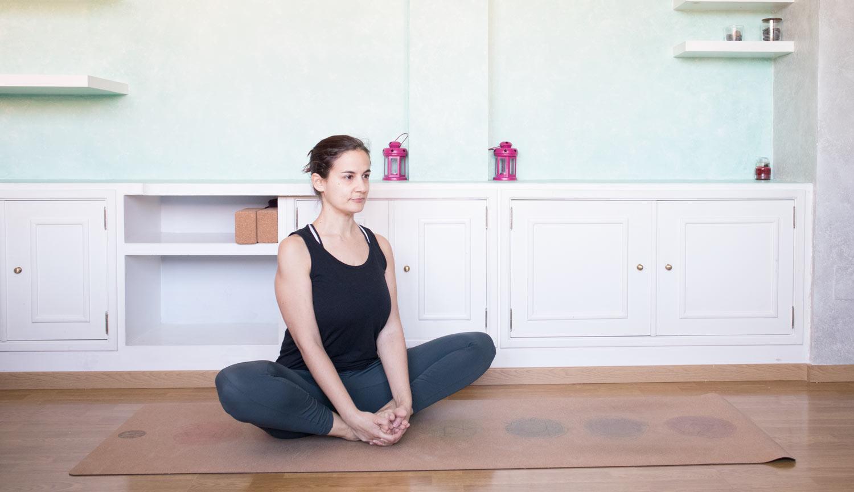 Badha-Konasana o postura del zapatero